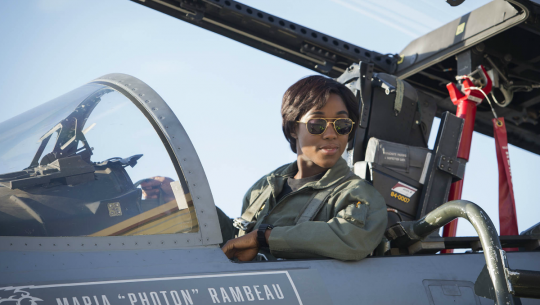 Stunning New CAPTAIN MARVEL Photos Show Carol and Her Crew in Action_20