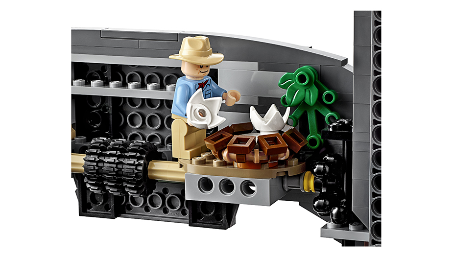 LEGO's New Jurassic Park Set Is Monstrously Awesome_15