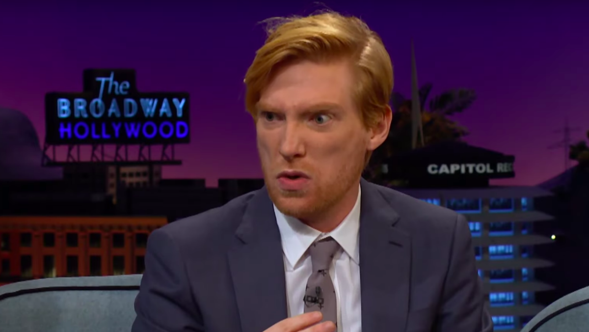 "STAR WARS Actor Domhnall Gleeson Sings ""Happy Birthday"" As ..."