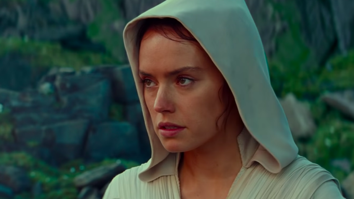 Rey wears a hood in new footage from Star Wars: The Rise Of Skywalker.