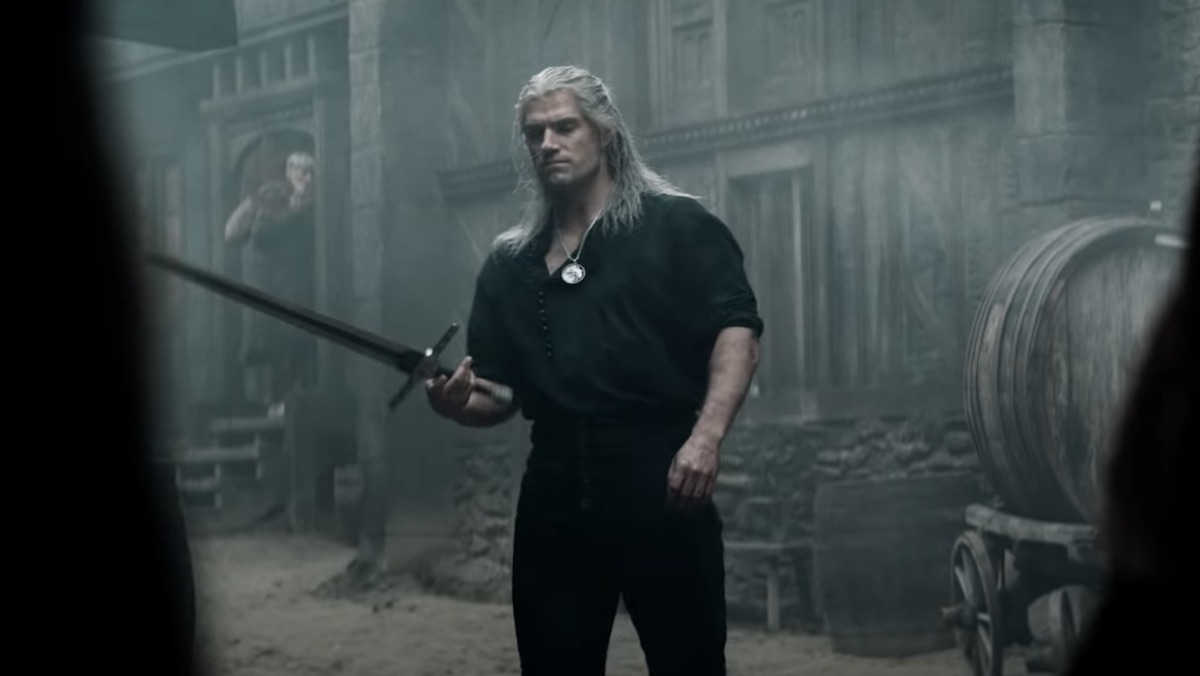 Henry Cavill Geeks Out Explaining THE WITCHER's Swords_2