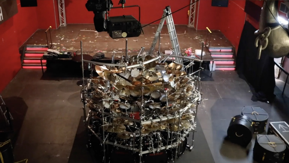 World's Largest Drum Set Constructed in Timelapse Video_1