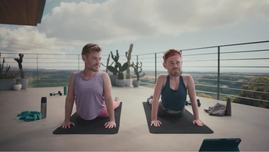 Chris Hemsworth's head on other bodies doing yoga
