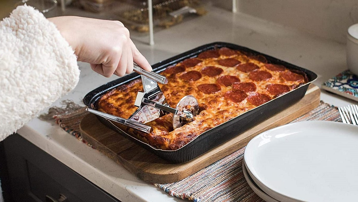 This Discovery pizza cutter slices through pepperonis like phaser fire.