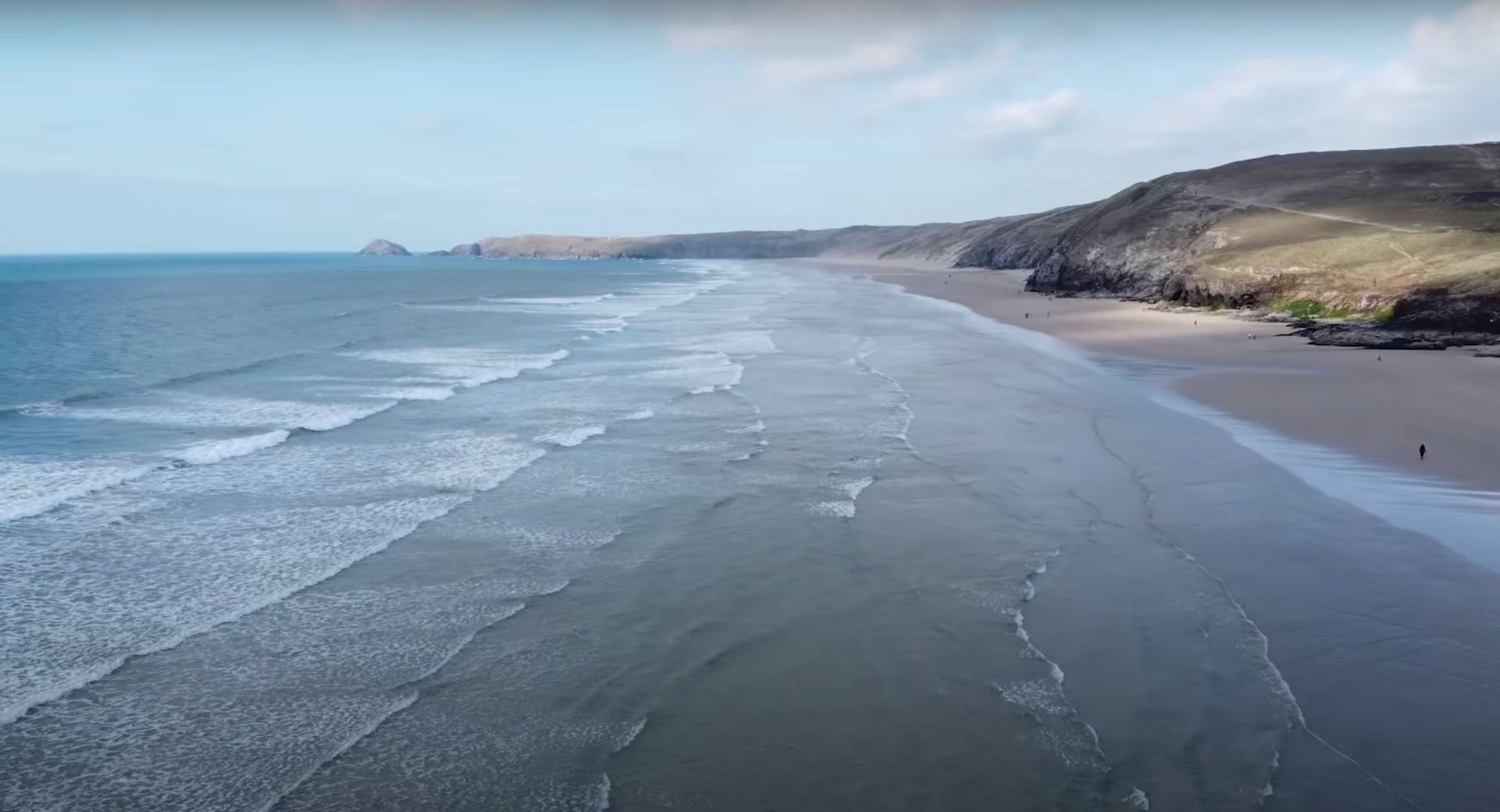 In a new video, YouTuber, Tom Scott, explores a Cornish beach in the UK where the ocean constantly burps up LEGO pieces.