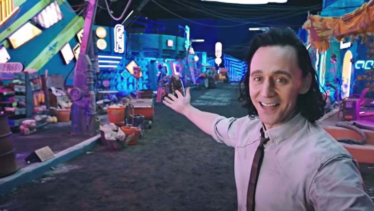 Behind the scenes footage from Loki featuring Tom Hiddleston.