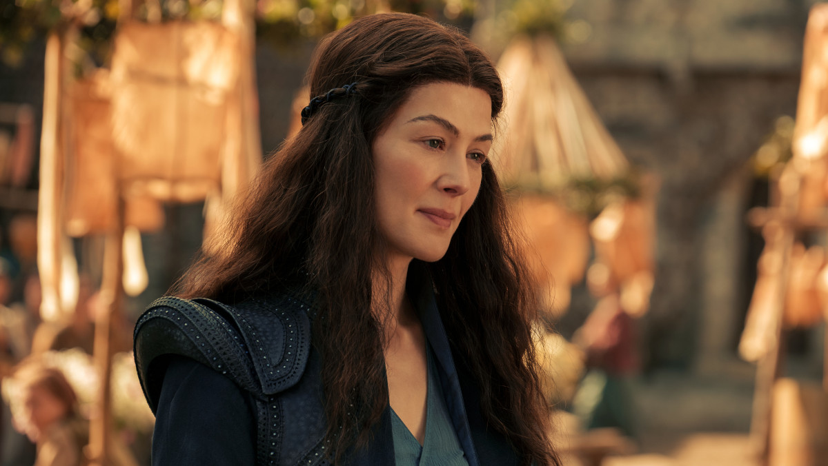 Rosamund Pike as Moiraine in The Wheel of Time