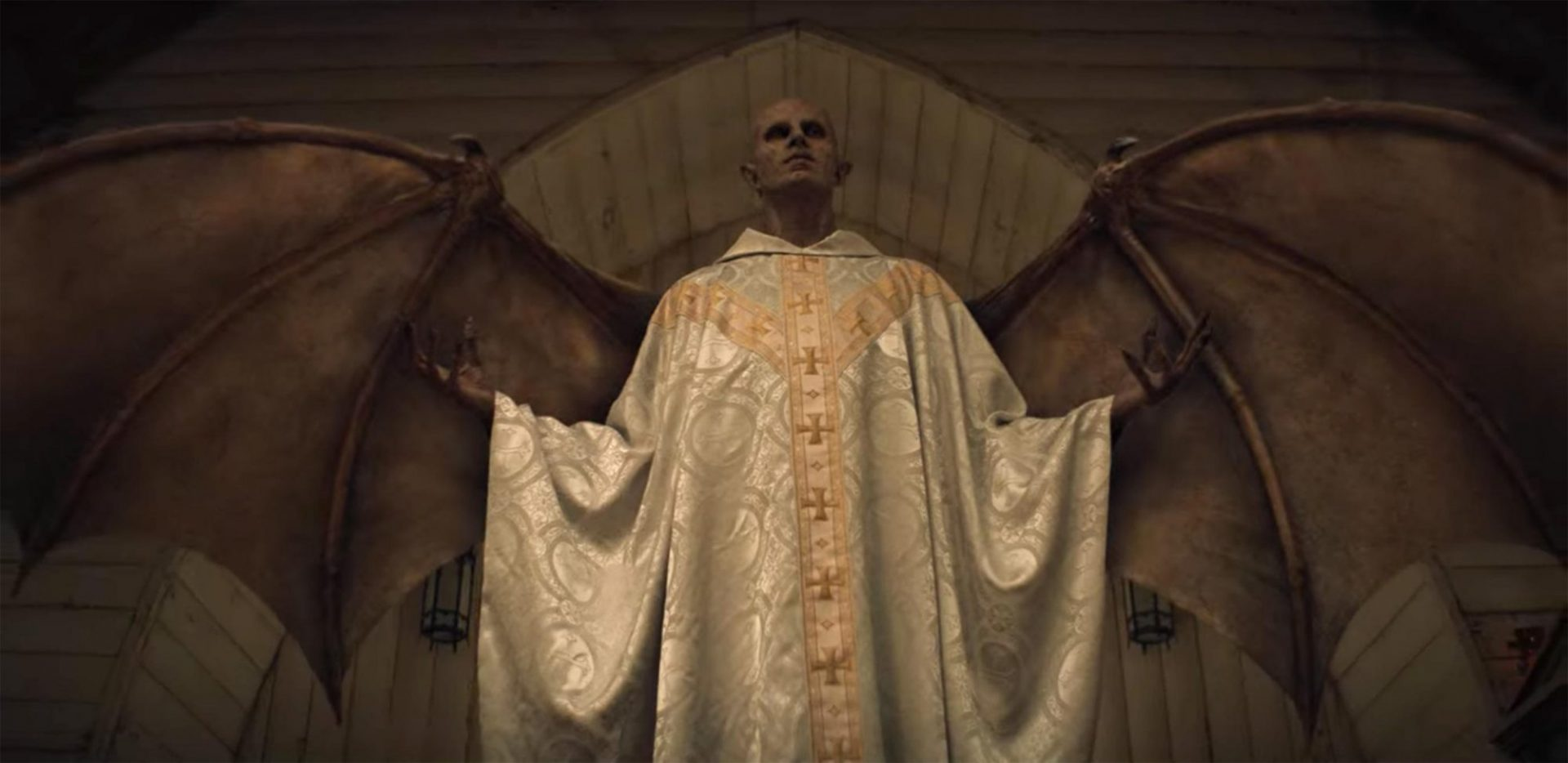 How MIDNIGHT MASS Reinvents One of Horrors Oldest Tropes_1